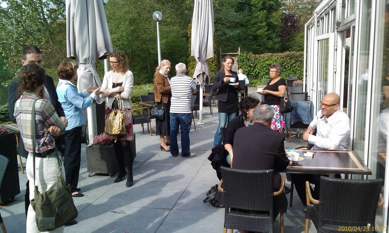 Op 29 april 2010 vond de eerste Open Coffee Velp plaats in Golden Tulip Hotel Arnhem-Velp